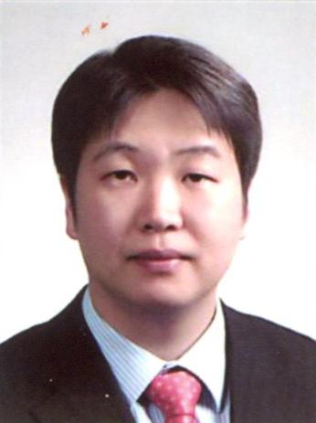 홍재석 교수 사진