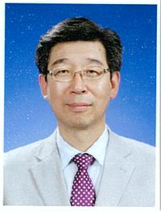 윤종욱 교수 사진