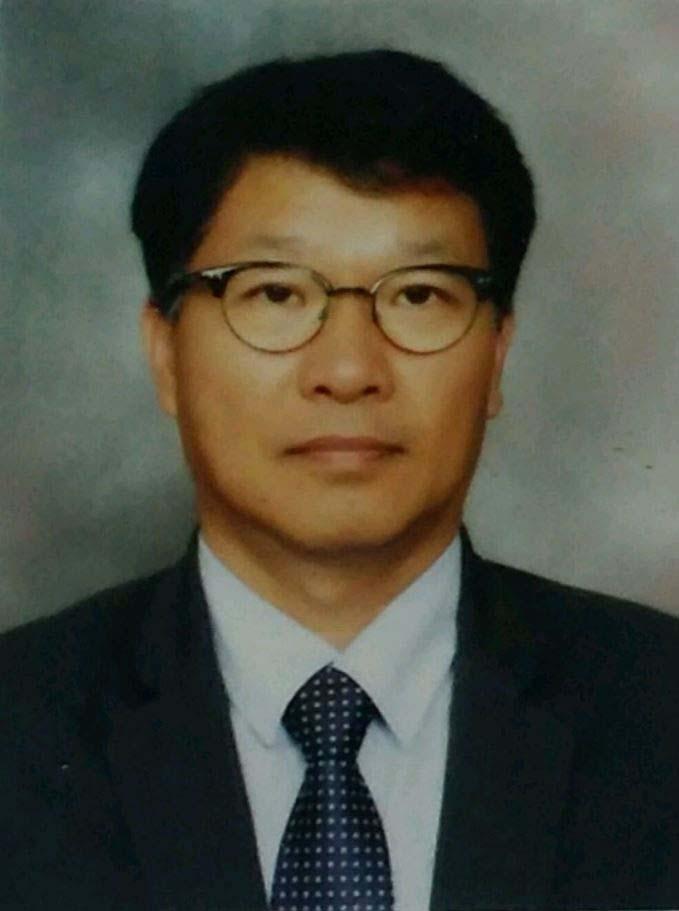 이상학 교수 사진