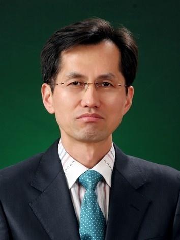 박원의 교수 사진